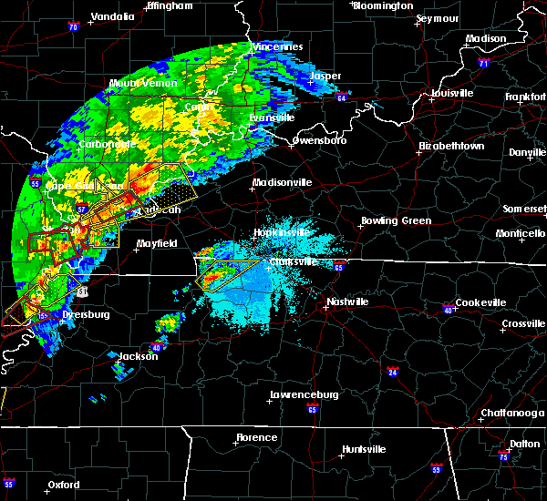 Radar Image for Severe Thunderstorms near Clarksville, TN at 3/28/2020 7:10 PM CDT