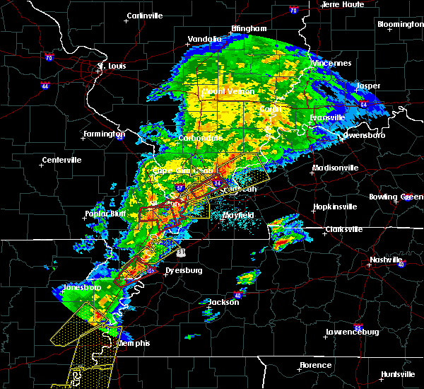 Radar Image for Severe Thunderstorms near Metropolis, IL at 3/28/2020 7:11 PM CDT