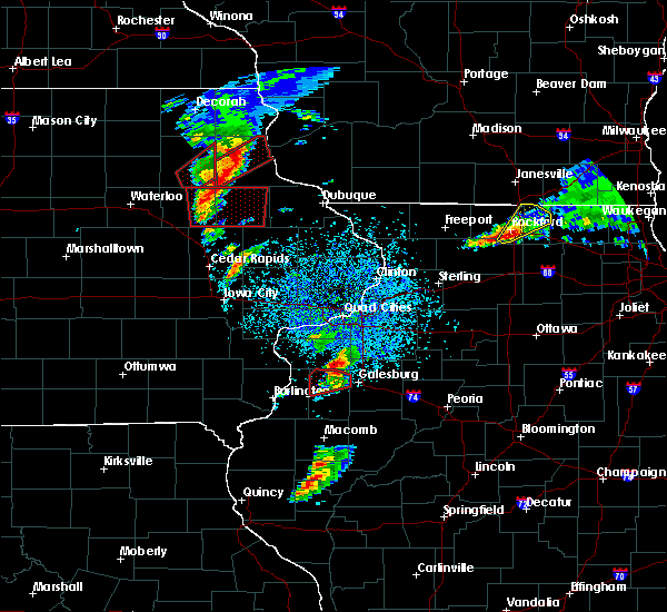 Radar Image for Severe Thunderstorms near Manchester, IA at 3/28/2020 7:14 PM CDT
