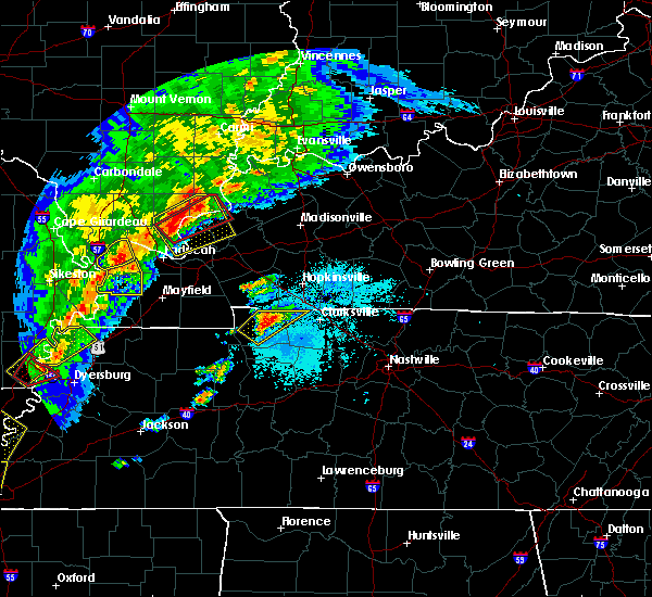 Radar Image for Severe Thunderstorms near Clarksville, TN at 3/28/2020 7:22 PM CDT