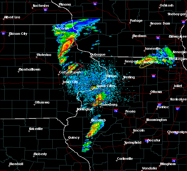 Radar Image for Severe Thunderstorms near Kewanee, IL at 3/28/2020 7:30 PM CDT