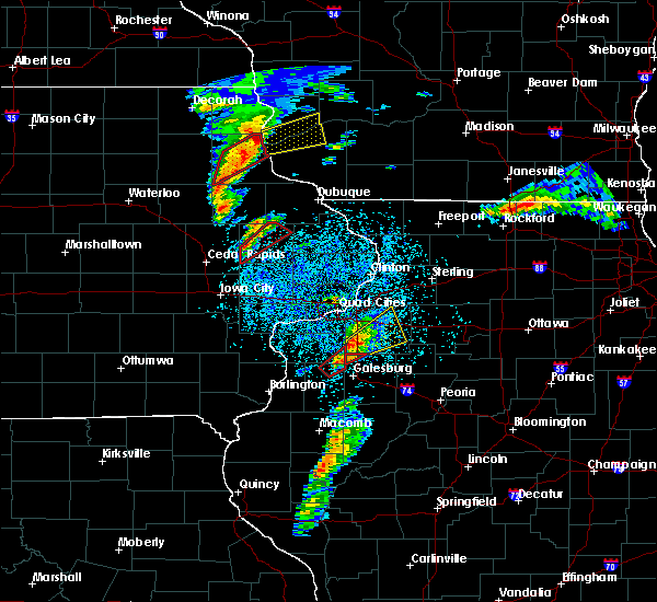 Radar Image for Severe Thunderstorms near Kewanee, IL at 3/28/2020 7:36 PM CDT