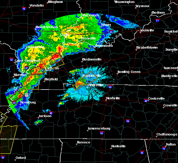 Radar Image for Severe Thunderstorms near Clarksville, TN at 3/28/2020 7:36 PM CDT