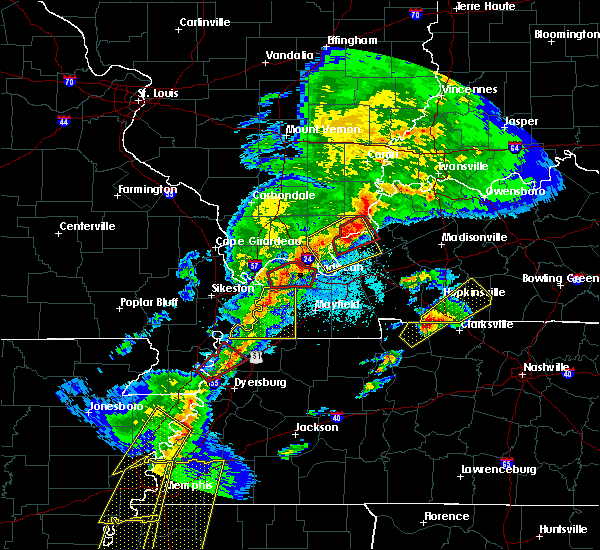Radar Image for Severe Thunderstorms near Kevil, KY at 3/28/2020 7:37 PM CDT