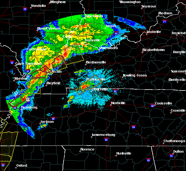 Radar Image for Severe Thunderstorms near Clarksville, TN at 3/28/2020 7:42 PM CDT