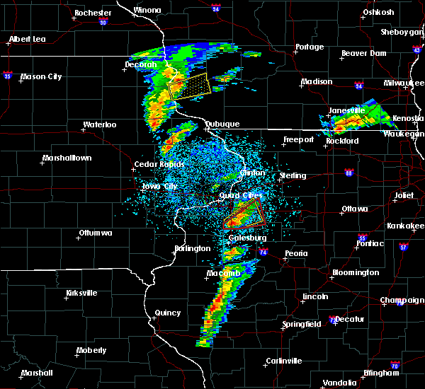 Radar Image for Severe Thunderstorms near Kewanee, IL at 3/28/2020 7:49 PM CDT