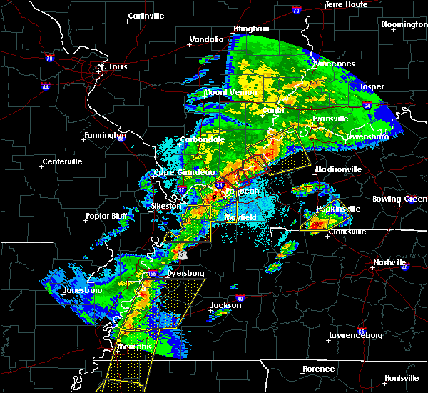 Radar Image for Severe Thunderstorms near Kevil, KY at 3/28/2020 7:49 PM CDT