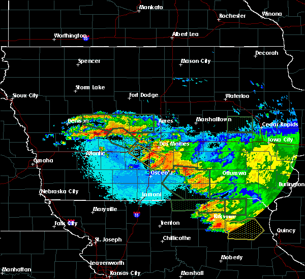 Radar Image for Severe Thunderstorms near Cumming, IA at 6/25/2015 12:42 AM CDT