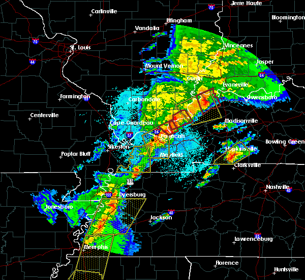 Radar Image for Severe Thunderstorms near Crayne, KY at 3/28/2020 7:59 PM CDT