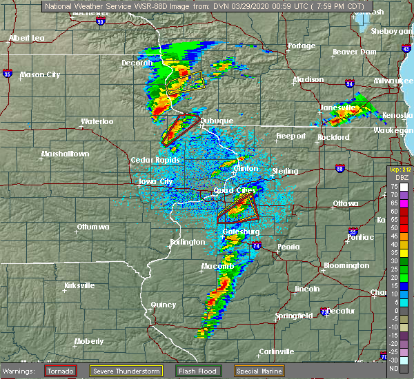 Radar Image for Severe Thunderstorms near Balltown, IA at 3/28/2020 8:02 PM CDT