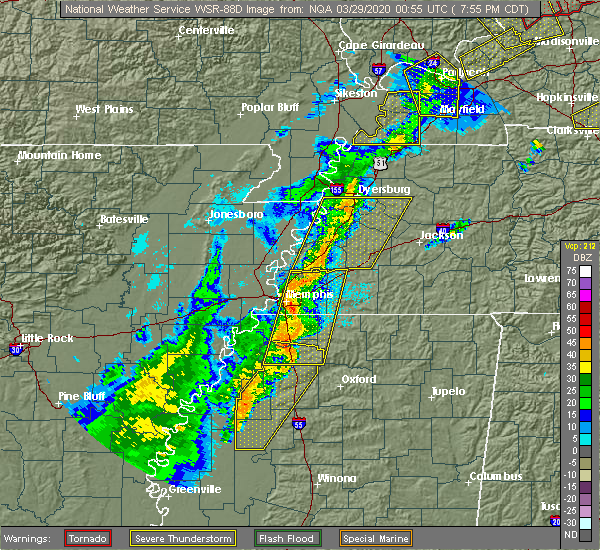 Radar Image for Severe Thunderstorms near Senatobia, MS at 3/28/2020 8:03 PM CDT