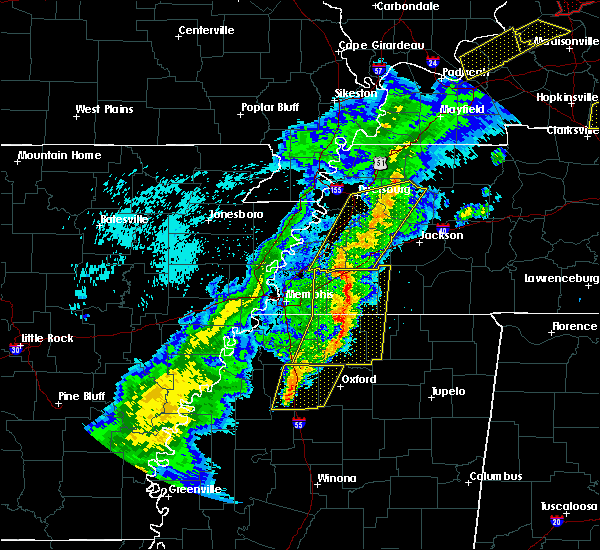Radar Image for Severe Thunderstorms near Somerville, TN at 3/28/2020 8:33 PM CDT