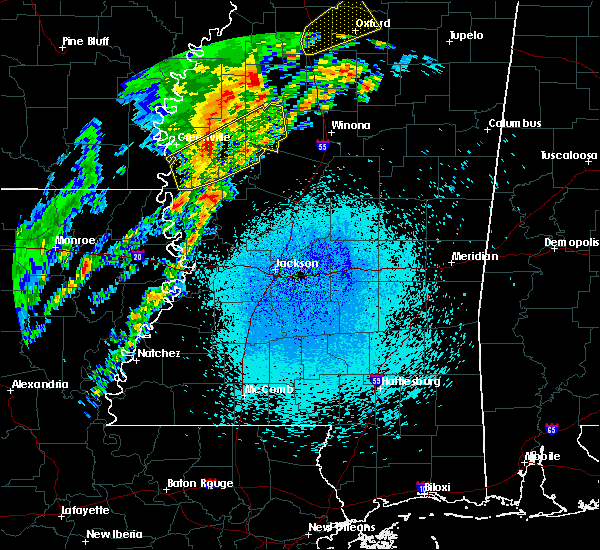 Radar Image for Severe Thunderstorms near Schlater, MS at 3/28/2020 10:26 PM CDT