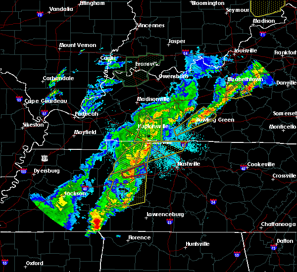 Radar Image for Severe Thunderstorms near Clarksville, TN at 3/28/2020 10:40 PM CDT