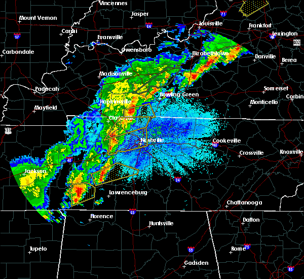 Radar Image for Severe Thunderstorms near Clifton, TN at 3/28/2020 11:08 PM CDT