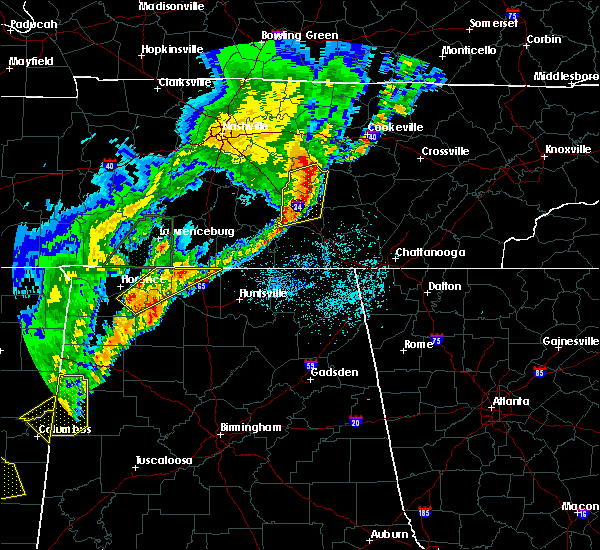 Radar Image for Severe Thunderstorms near Tullahoma, TN at 3/29/2020 2:02 AM CDT