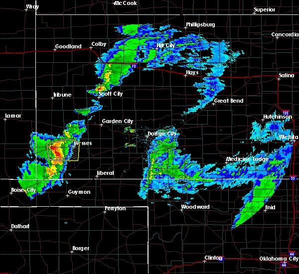 Radar Image for Severe Thunderstorms near Ulysses, KS at 3/30/2020 4:24 PM CDT