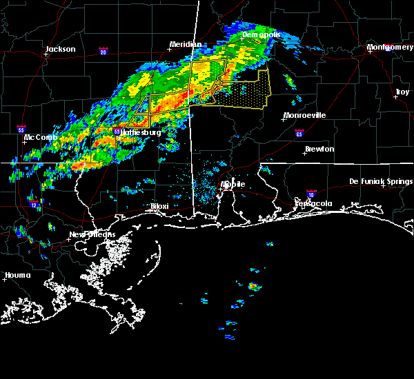 Radar Image for Severe Thunderstorms near State Line, MS at 3/31/2020 8:02 AM CDT