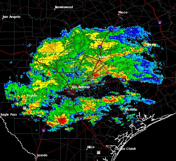 Radar Image for Severe Thunderstorms near Lockhart, TX at 4/3/2020 4:41 PM CDT