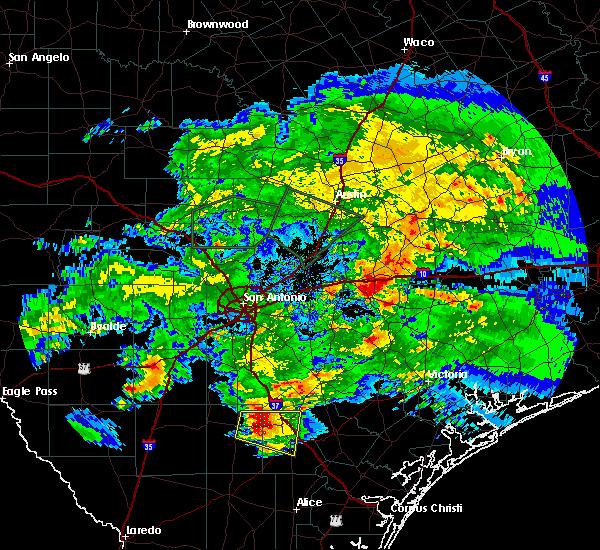 Radar Image for Severe Thunderstorms near Waelder, TX at 4/3/2020 5:39 PM CDT