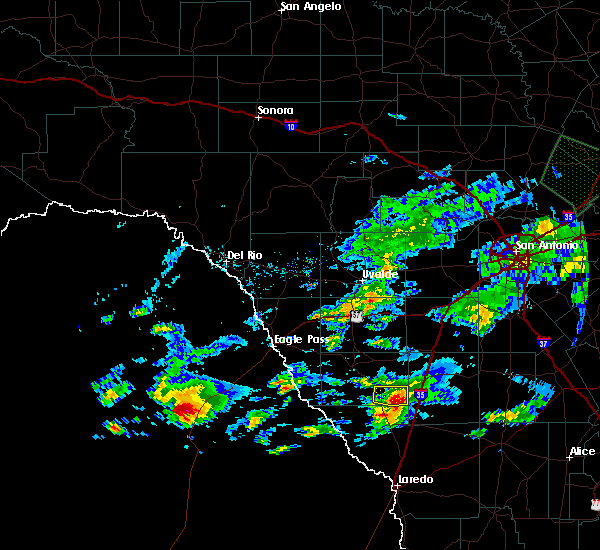 Radar Image for Severe Thunderstorms near Catarina, TX at 4/3/2020 6:56 PM CDT