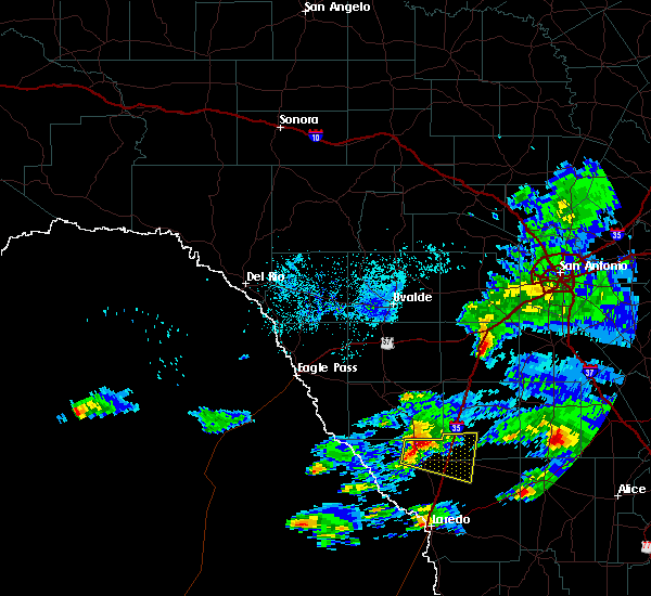 Radar Image for Severe Thunderstorms near Encinal, TX at 4/3/2020 8:51 PM CDT