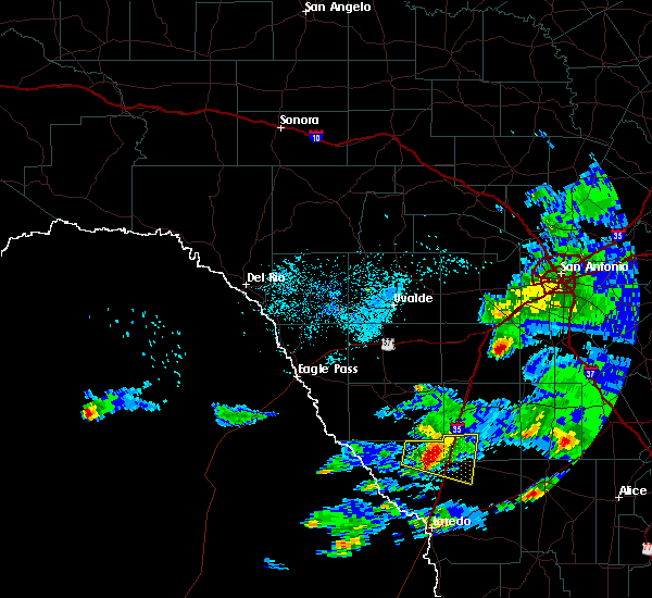 Radar Image for Severe Thunderstorms near Encinal, TX at 4/3/2020 9:12 PM CDT