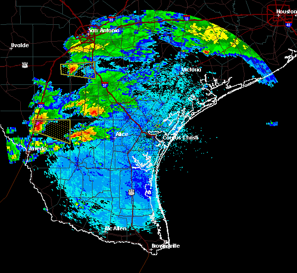 Radar Image for Severe Thunderstorms near Encinal, TX at 4/3/2020 9:32 PM CDT