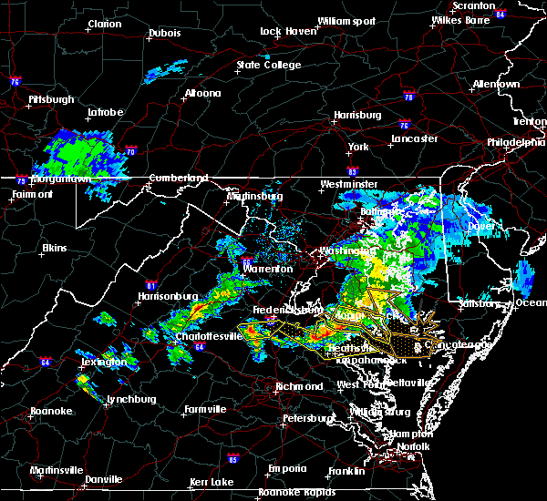 Radar Image for Severe Thunderstorms near Colonial Beach, VA at 4/7/2020 4:22 PM EDT