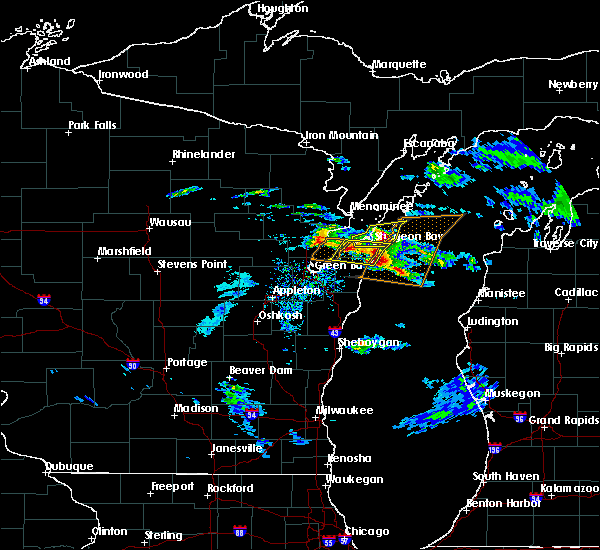 Radar Image for Severe Thunderstorms near Sturgeon Bay, WI at 4/7/2020 3:24 PM CDT