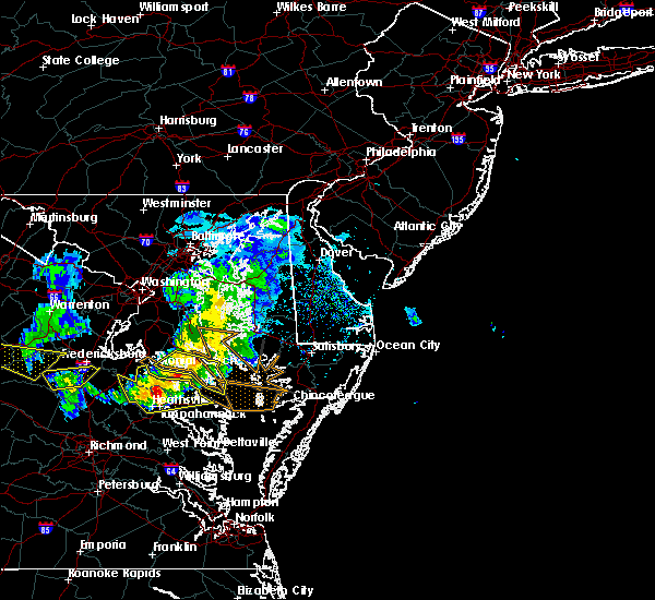Radar Image for Severe Thunderstorms near Lexington Park, MD at 4/7/2020 4:34 PM EDT