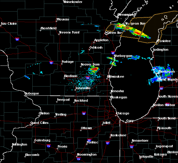 Radar Image for Severe Thunderstorms near Richfield, WI at 4/7/2020 3:43 PM CDT