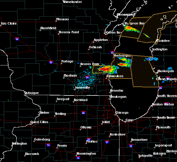 Radar Image for Severe Thunderstorms near Richfield, WI at 4/7/2020 4:05 PM CDT