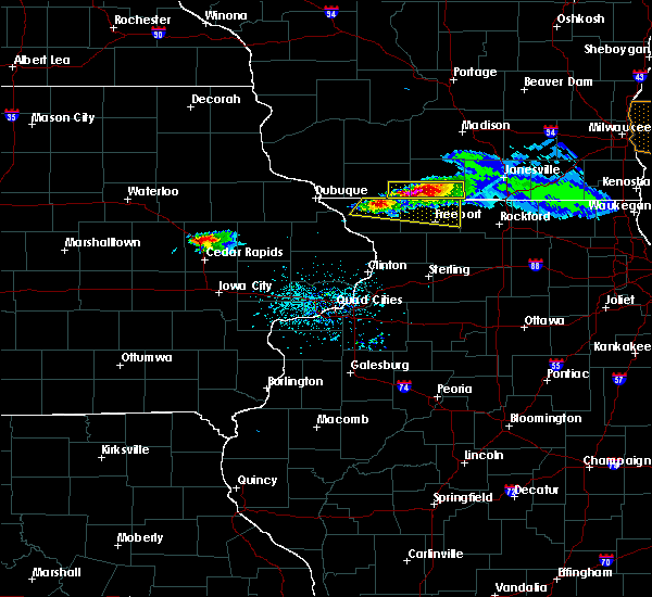 Radar Image for Severe Thunderstorms near Martelle, IA at 4/7/2020 6:04 PM CDT