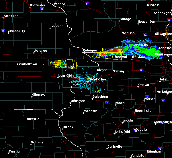 Radar Image for Severe Thunderstorms near Martelle, IA at 4/7/2020 6:11 PM CDT
