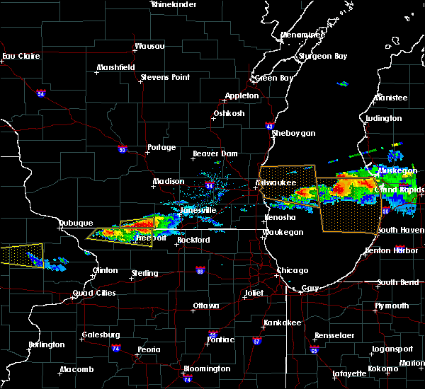 Radar Image for Severe Thunderstorms near Rockton, IL at 4/7/2020 6:17 PM CDT