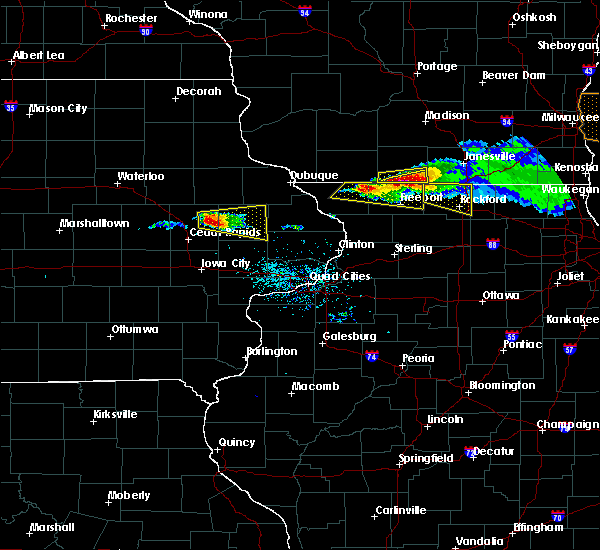 Radar Image for Severe Thunderstorms near Lake Summerset, IL at 4/7/2020 6:22 PM CDT