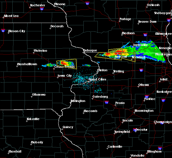 Radar Image for Severe Thunderstorms near Lake Summerset, IL at 4/7/2020 6:26 PM CDT