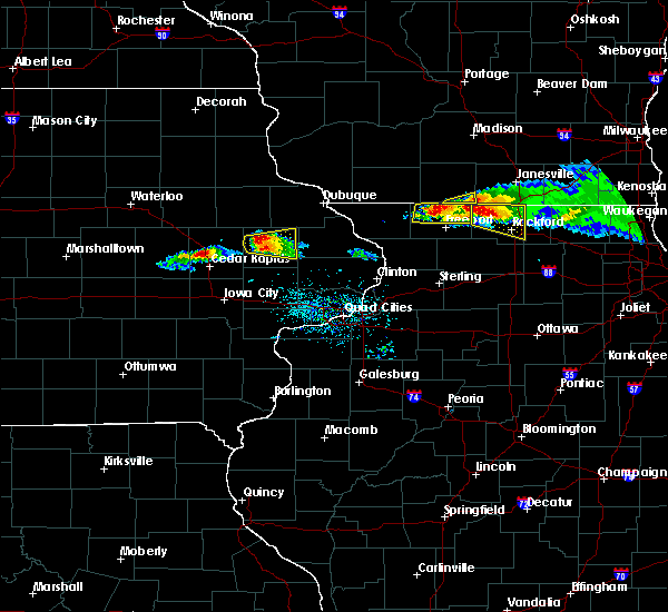 Radar Image for Severe Thunderstorms near Anamosa, IA at 4/7/2020 6:35 PM CDT