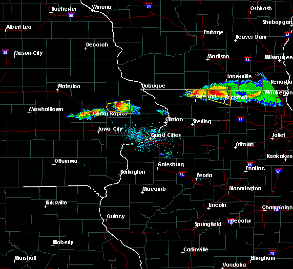 Radar Image for Severe Thunderstorms near Martelle, IA at 4/7/2020 6:44 PM CDT