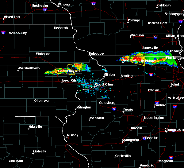 Radar Image for Severe Thunderstorms near Monticello, IA at 4/7/2020 6:51 PM CDT