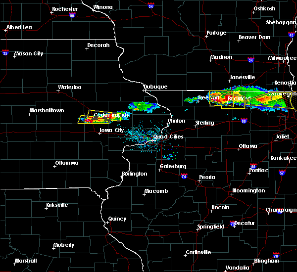 Radar Image for Severe Thunderstorms near Ely, IA at 4/7/2020 7:07 PM CDT
