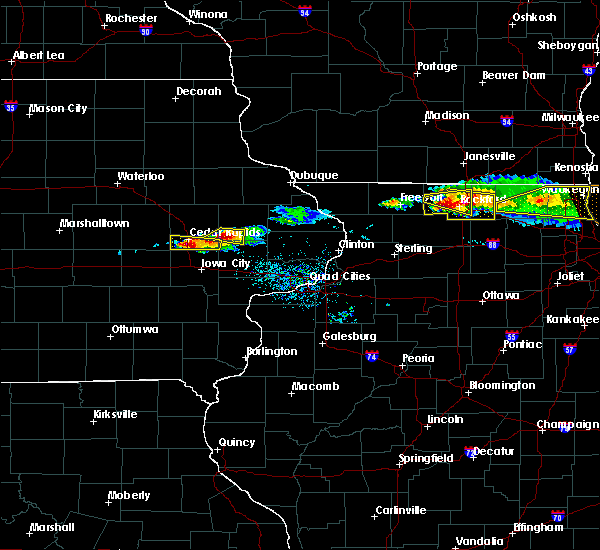 Radar Image for Severe Thunderstorms near Martelle, IA at 4/7/2020 7:17 PM CDT
