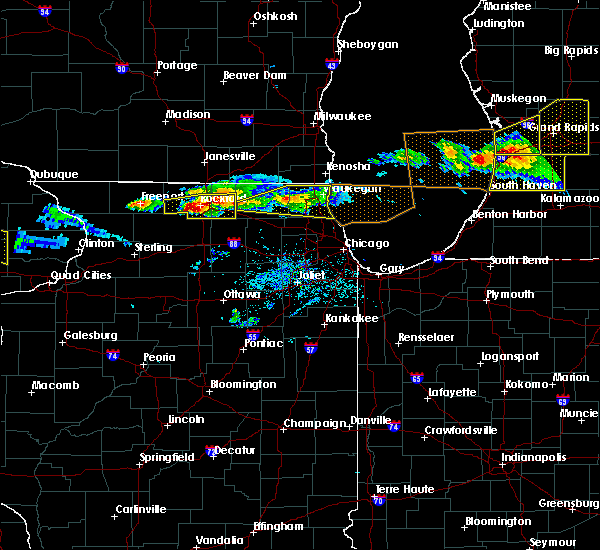 Radar Image for Severe Thunderstorms near Fox River Grove, IL at 4/7/2020 7:21 PM CDT