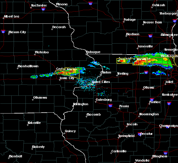 Radar Image for Severe Thunderstorms near Martelle, IA at 4/7/2020 7:25 PM CDT