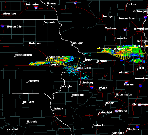 Radar Image for Severe Thunderstorms near Ely, IA at 4/7/2020 7:42 PM CDT