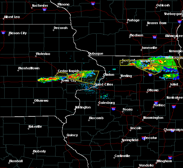 Radar Image for Severe Thunderstorms near Tipton, IA at 4/7/2020 7:45 PM CDT