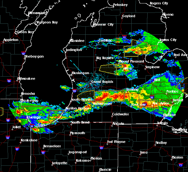 Radar Image for Severe Thunderstorms near Vicksburg, MI at 4/7/2020 9:16 PM EDT