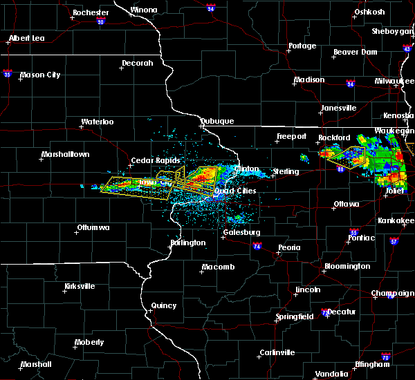 Radar Image for Severe Thunderstorms near Cleveland, IL at 4/7/2020 8:20 PM CDT