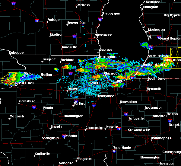 Radar Image for Severe Thunderstorms near Bridgeview, IL at 4/7/2020 8:20 PM CDT